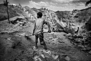 A child gold miner in Watsa, northeastern Congo. 2004, Marcus Bleasdale